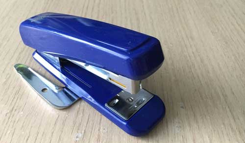 bugtong stapler